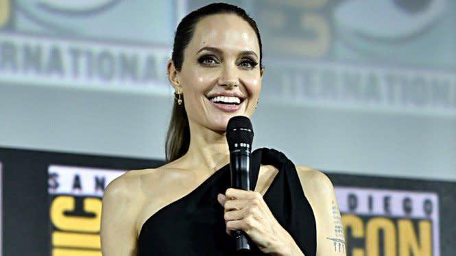 Terungkap, Angelina Jolie Awalnya Tak Ingin Punya Anak dari Brad Pitt
