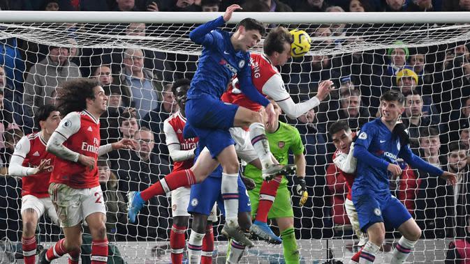 Bermain dengan 10 Pemain, Arsenal Curi Poin di Kandang Chelsea