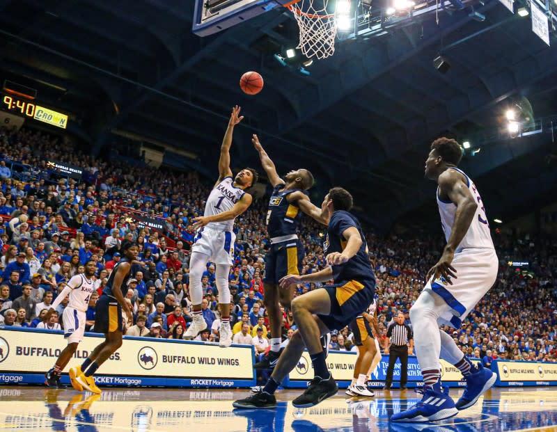 College basketball roundup: Washington beats No. 16 Baylor