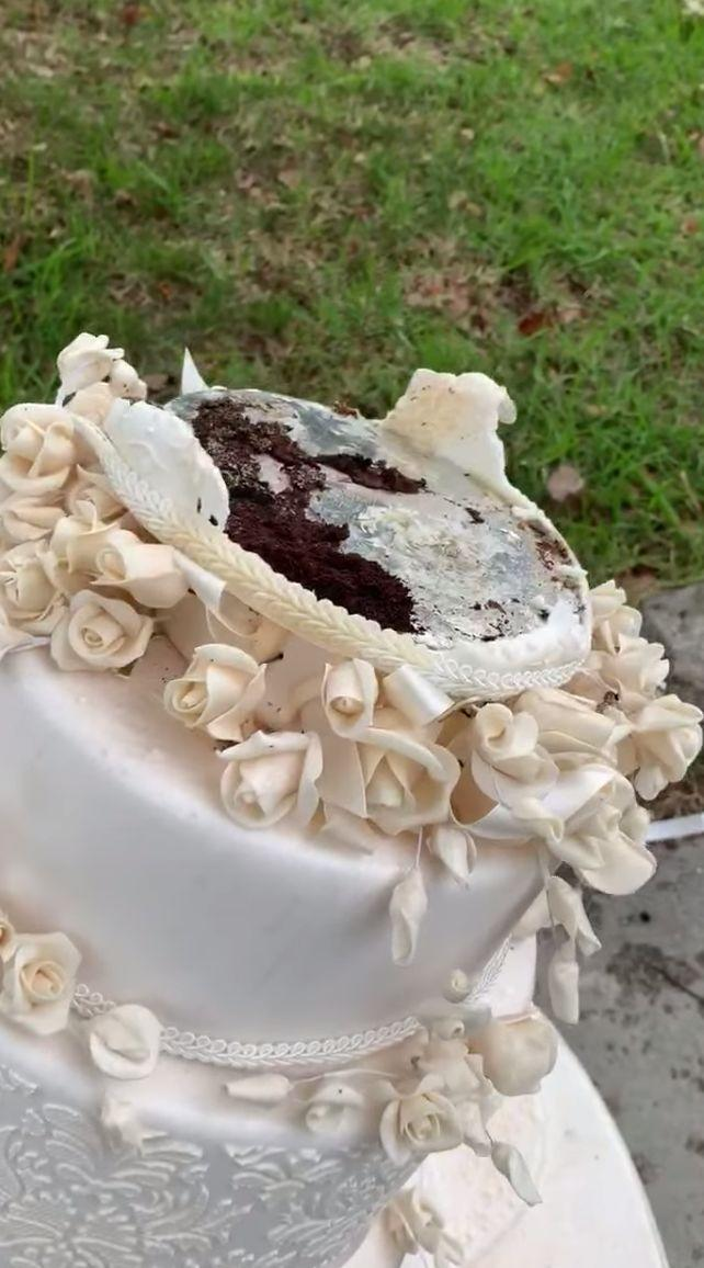 The wedding cake was found by a Melbourne woman during a walk with her two kids Saturday afternoon in Balwyn, in Melbourne's east.