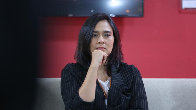 Dalam pementasan berjudul Panembahan Reso, perempuan kelahiran Semarang 43 tahun itu memerankan sosok antagonis. Saat berbincang dengan awak media, ia mengungkapkan kesulitannya memerankan Ratu Dara. (Daniel Kampua/Fimela.com)
