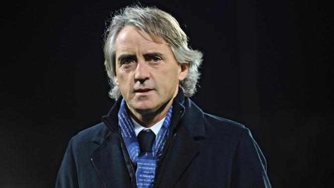 Roberto Mancini - Sejumlah rumah taruhan menjagokan mantan pelatih Inter Milan ini akan menjadi suksesor Claudio Ranieri. Dengan pengalaman membesut Manchester City, dirinya diyakini akan cepat adaptasi. (EPA/Maurizio Degl' Innocenti)