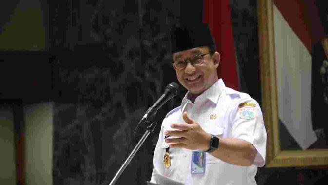 Gubernur DKI Anies Baswedan melepas petugas haji DKI Jakarta. (Liputan6.com/Nabila)