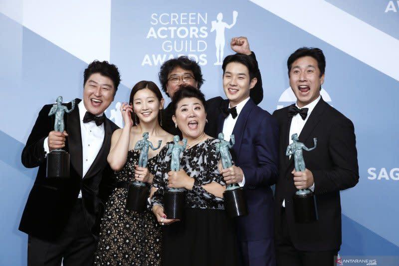 "Pemeran dan kru ""Parasite"" diundang gabung akademi Oscar"