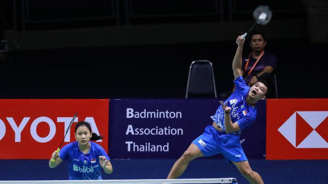 Aksi Rinov Rivaldy/Pitha Haningtyas Mentari pada babak pertama Thailand Masters 2020, Rabu (22/1/2020). (PBSI)