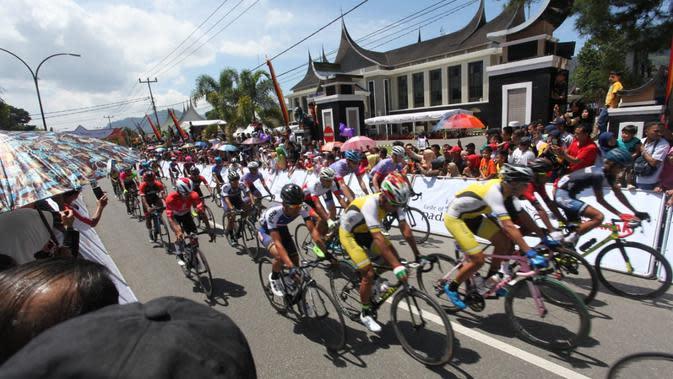 Jesse Ewart meraih kemenangan di etape kedua Tour de Singkarak 2019. Acara ini masuk daftar 100 Calendar of Events 2020. (Dok. TdS 2019)