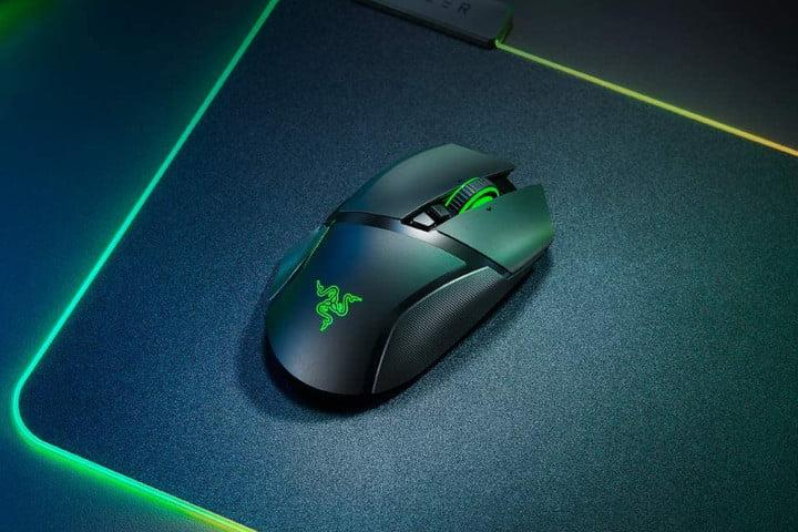 Razer Basilisk Ultimate HyperSpeed Wireless Gaming Mouse lifestyle