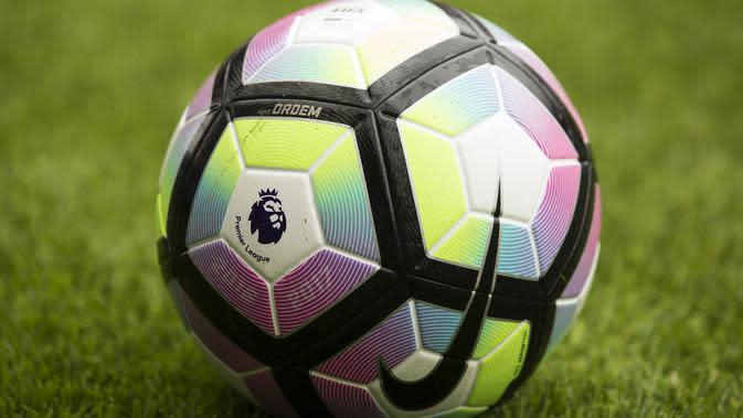 Carragher: Pemotongan Gaji di Liga Inggris Terserah Pemain