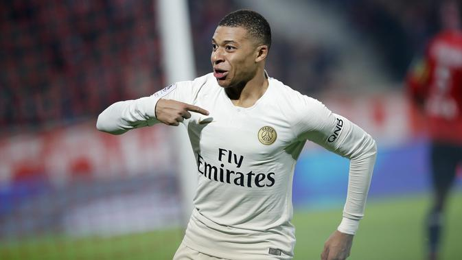 8. Kylian Mbappe (Paris Saint- Germain - 18 Gol. (AP/Christophe Ena)