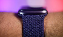 更換 Solo Loop 單圈錶帶不用再寄回 Apple Watch 整機了