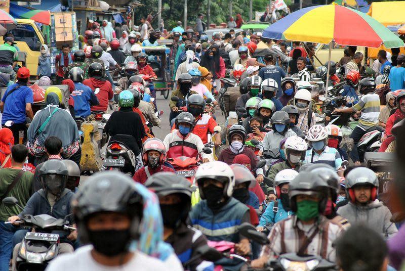 #IndonesiaTerserah: Warga Indonesia luapkan kekecawaan penanganan virus pemerintah di dunia maya
