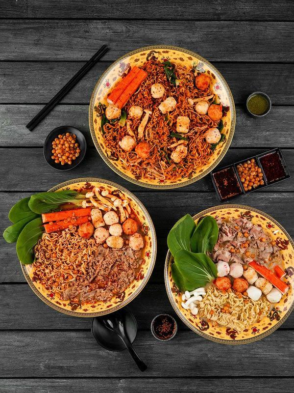 Beragam pilihan kuah untuk menikmati menu hot pot. (dok. Dragon Hot Pot)