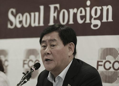 South Korean Finance minister Choi Kyung-hwan speaks during a press conference at the Seoul Foreign Correspondents' Club in Seoul, South Korea, Tuesday, July 21, 2015. Choi said Tuesday that the bitter fight between Samsung and an American hedge fund over a contentious business deal showed that South Korea needs to do more to protect shareholder rights. (AP Photo/Ahn Young-joon)