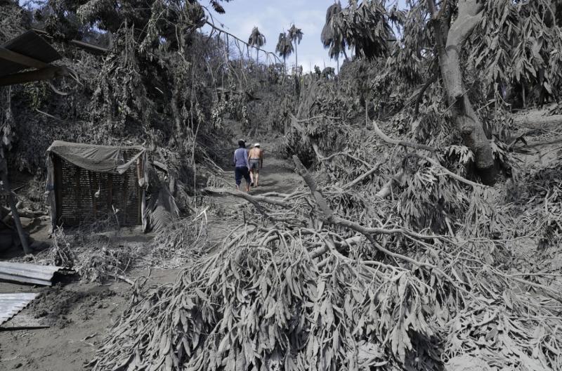 Sekalipun berbahaya, warga Filipina kembali ke rumah mereka
