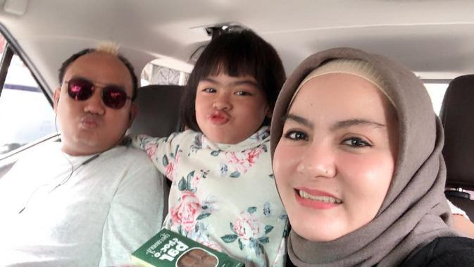 Azis Gagap dan Istri Kedua (Sumber: Instagram//dewi_keke22)