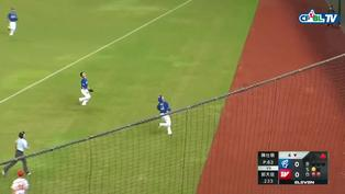 08/04 富邦 VS 味全 四局下,王正棠在界外區完成一次高難度的滑接美技,Nice Catch!