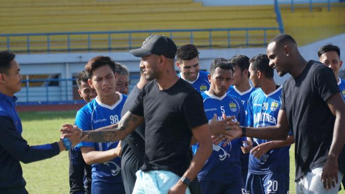 Wander Luiz dan Joel Vinicius mengikuti sesi latihan di Persib Bandung. (Liputan6.com/Huyogo Simbolon)