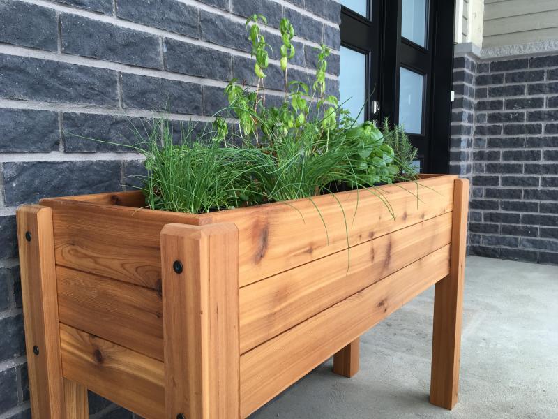Mecky's Jardinex Planter. Image via Etsy.