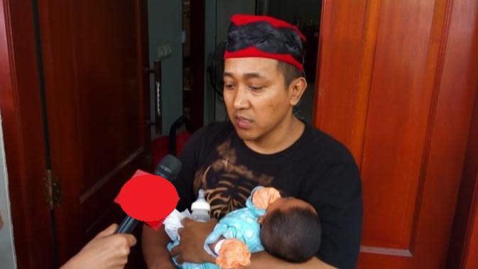 Suami mendiang Lina Jubaedah, Teddy Pardiyana. (Liputan6.com/Huyogo Simbolon)