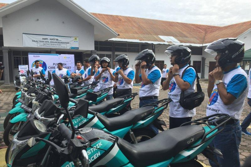 Cara unik PLN Aceh sambangi aset dengan motor listrik