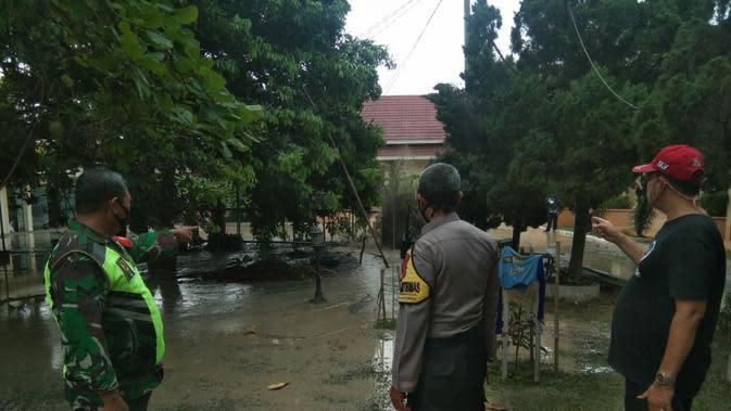 Semburan lumpur bercampur air dan gas hebohkan warga Kelurahan Jatirangga, Jatisampurna, Kota Bekasi, Jawa Barat. (Istimewa)