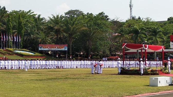 Sebanyak 1.608 praja muda Institut Pemerintahan Dalam Negeri (IPDN) angkatan 30 Tahun 2019 dilantik di Kampus IPDN, Kamis (31/10/2019). (Liputan6.com/Huyogo Simbolon)
