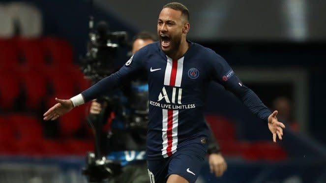 Striker Paris Saint-Germain, Neymar usai bobol gawang Borussia Dortmund