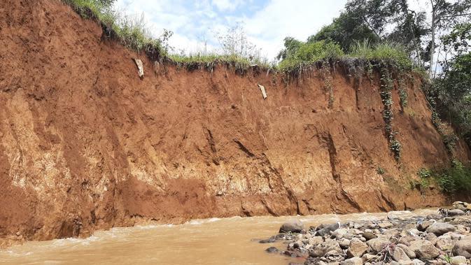 Pemakaman Longsor di Bogor, 10 Jenazah Hanyut Terbawa Arus Sungai