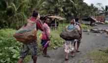 21世紀「獵殺女巫」:巴布亞紐幾內亞女性慘遭群毆、虐殺 只因有人稱她們會巫術