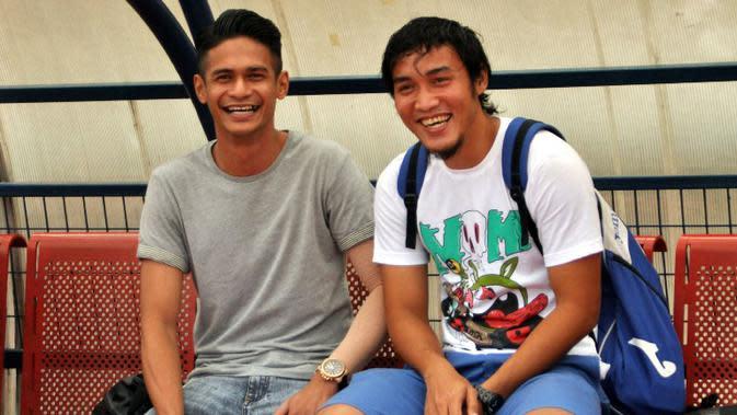 Muhamamd Ridhuan, mantan pemain Arema asal Singapura mengikuti laga amal untuk pemain cedera di Solo dan Sleman.