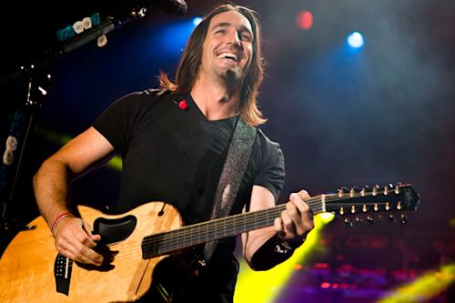 Jake Owen Steers Clear of Country Cliches on 'Days of Gold'