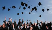 中國學費真香?國內 2/3 大學遭爆簽下一中承諾書,立委提修法防「無聲的校園滲透」