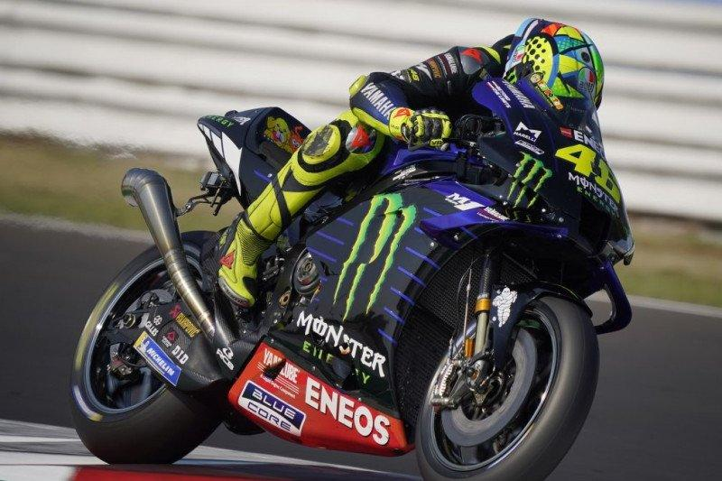 Valentino Rossi resmi bergabung Petronas Yamaha