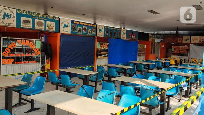 Suasana Rest Area Km 13,5 di Tol Tangerang, Banten, Selasa (19/5/2020). Jelang Lebaran 2020, PT Jasamarga Related Business (JMRB) menerapkan PSBB di semua rest area yang dikelolanya dengan membatasi waktu singgah pengunjung maksimal 30 menit. (Liputan6.com/Angga Yuniar)