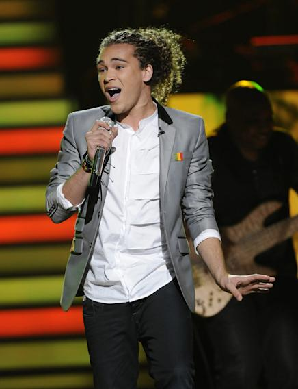 "DeAndre Brackensick performs ""Master Blaster (Jammin')"" by Stevie Wonder on American Idol."""