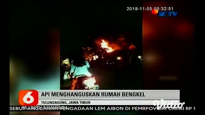 VIDEO: Kebakaran Hanguskan Rumah dan Bengkel di Tulungagung