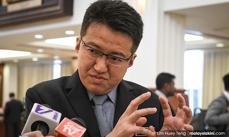 Chin Tong: Those wanting DAP to only focus on 'Chinese base' are 'half-witted'
