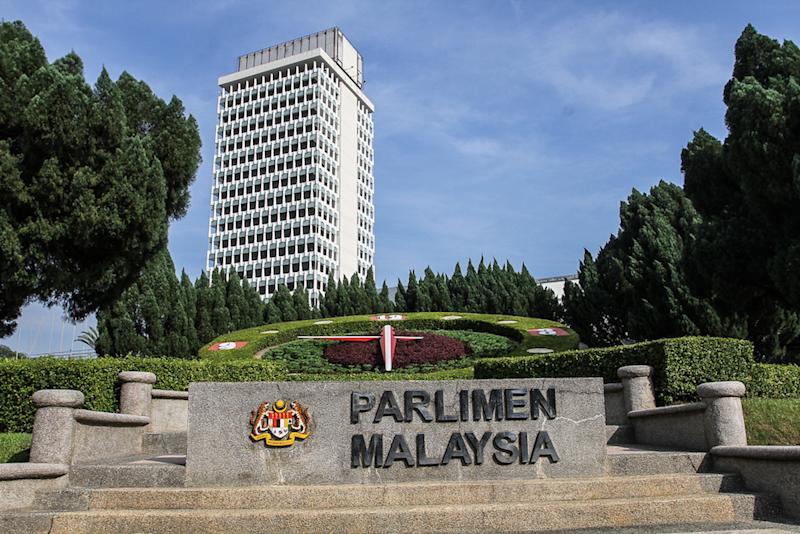 Penang-based construction company Wabina Constructions & Engineering Sdn Bhd argued it was wrong for the government not to go through Parliament to change an existing federal law which gives 21 days before such companies have to be wound up. — Picture by Shafwan Zaidon