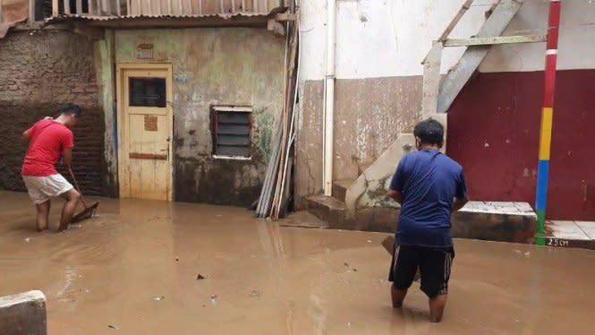 Banjir Jakarta Mulai Surut, Ketinggian Air Masih Sekitar 30 Sentimeter