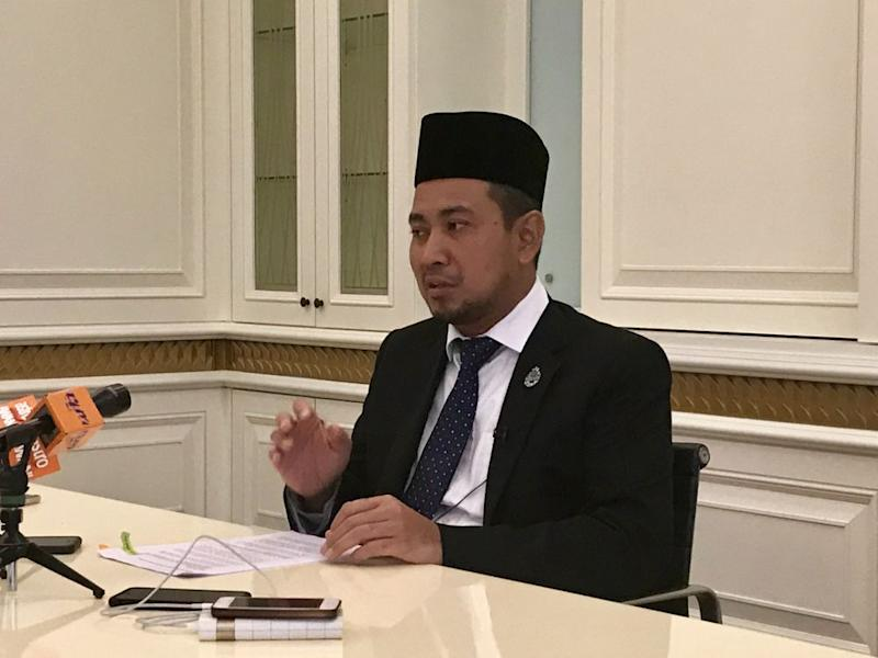 Johor PKR deputy chief Jimmy Puah Wee Tse claimed that the state's former mentri besar Datuk Dr Sahruddin Jamal (pic) had tried to get him to jump over to support the new state coalition consisting of Umno, Bersatu, MIC and PAS. — Picture by Ben Tan