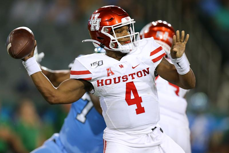 NEW ORLEANS, LOUISIANA - SEPTEMBER 19: D'Eriq King #4 of the Houston Cougars throws the ball during the first half of a game against the Tulane Green Wave at Yulman Stadium on September 19, 2019 in New Orleans, Louisiana. (Photo by Jonathan Bachman/Getty Images)