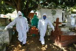 Seorang pastor Brazil memiliki kehidupan ganda di tengah pandemi COVID-19