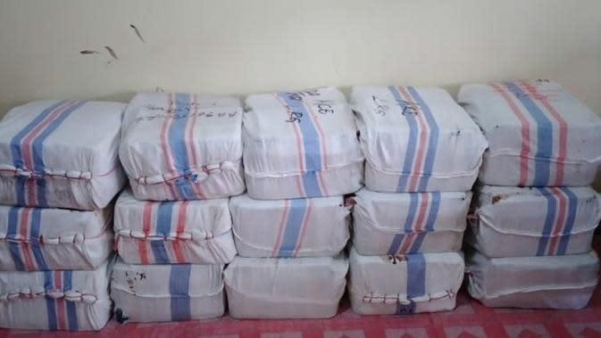 Polisi Kejar Pemilik Ratusan Liter Miras Cap Tikus di Kapal Rute Manado-Talaud