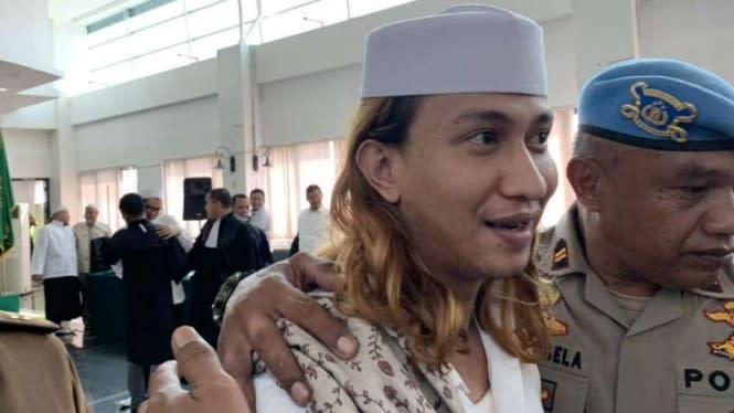 Kembali Ditangkap, Dukungan untuk Habib Bahar Trending