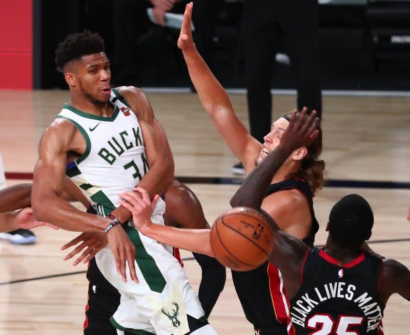NBA roundup: Bucks rally vs. Heat, claim East's top seed