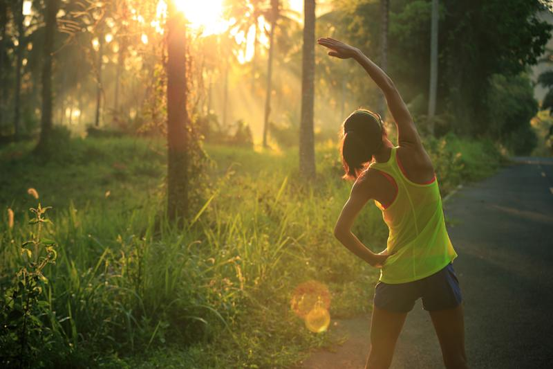 Try working out in the morning during a heatwave [Photo: Getty]
