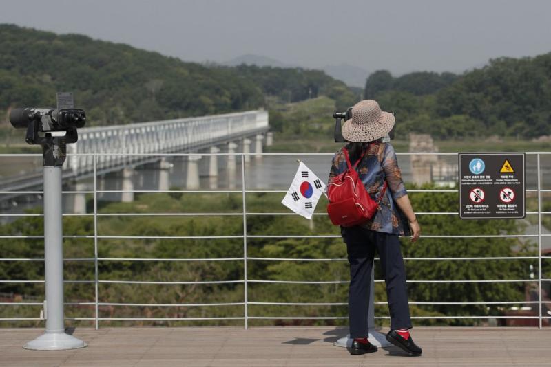 Korea Utara katakan akan memutus saluran komunikasi dengan Korea Selatan