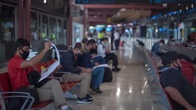 PT Angkasa Pura II (Persero) dan stakeholder, menerapkan protokol kesehatan secara ketat di Bandara Soekarno-Hatta dan Bandara Halim Perdanakusuma.