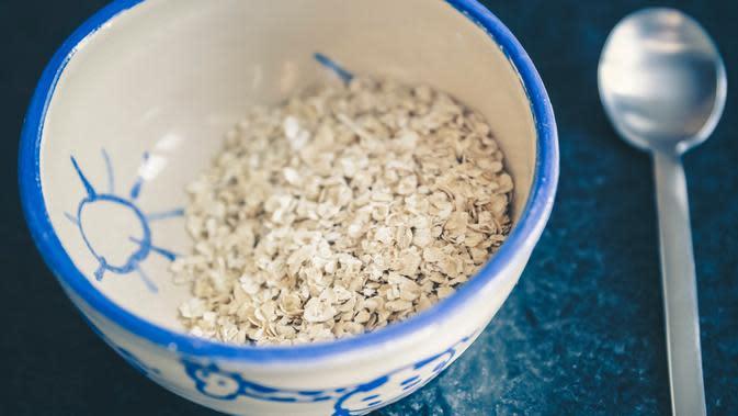 Oatmeal punya gizi tinggi/copyright: unsplash/markus spiske