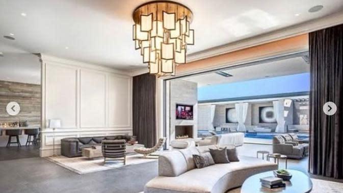 Interior rumah baru Kylie Jenner. (dok. Instagram @ashley_therealtor/https://www.instagram.com/p/B_aF6K1DLid/Dinny Mutiah)
